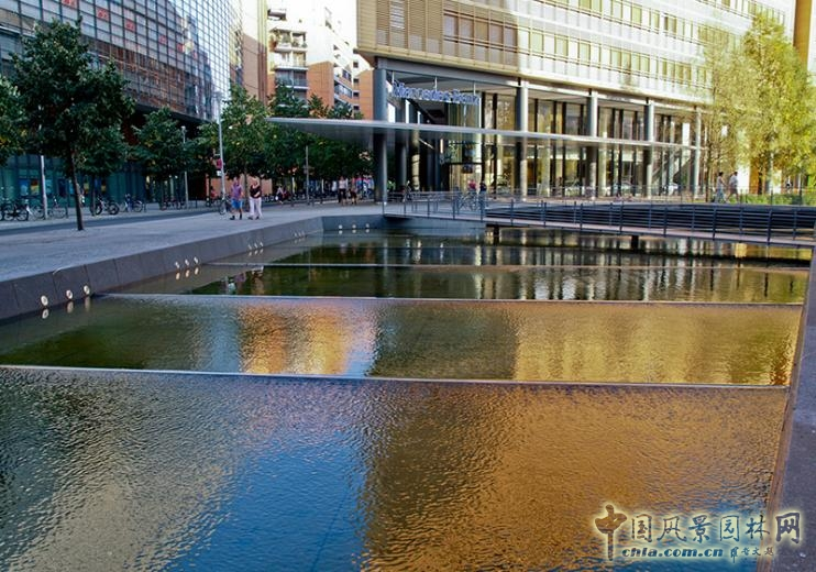 德國柏林波茨坦廣場水景設計